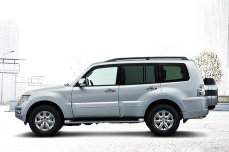 Mitsubishi Montero Side View (Left)  Image