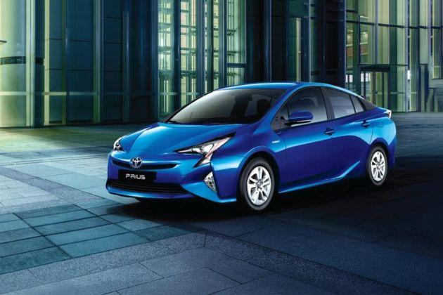 Toyota Prius Front Left Side Image