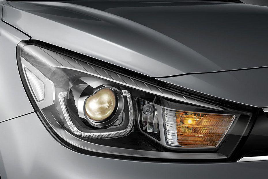 Kia Rio Headlight Image