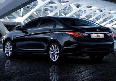 Hyundai i45 Rear Left View Image