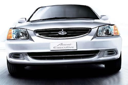 Hyundai Accent Front View Image