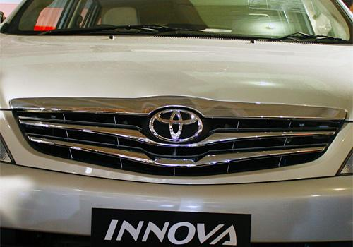Toyota Innova 2004-2011 Grille Image