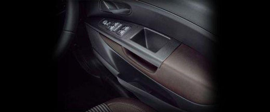 Fiat Abarth Avventura Door Controls Image