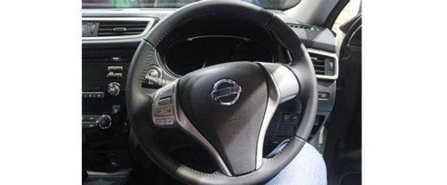 Nissan X-Trail Steering Wheel Image