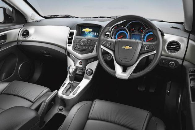 Chevrolet Cruze Lt On Road Price Diesel Features Specs Images
