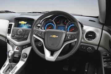 Chevrolet Cruze Ltz On Road Price Diesel Features Specs