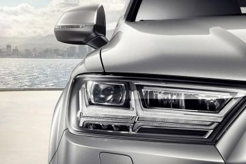 Audi Q7 Headlight