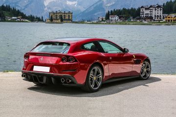 Ferrari GTC4Lusso Rear Right Side