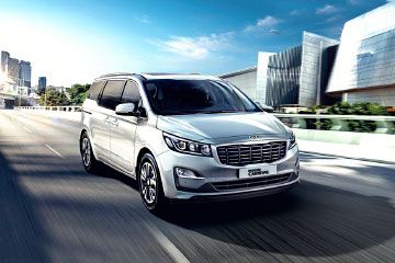 Used Kia Carnival in New Delhi