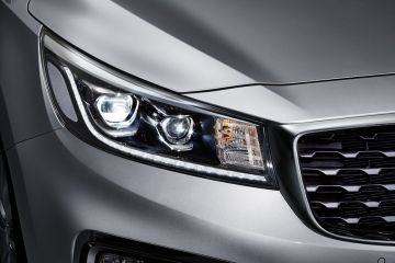 Kia Carnival Headlight