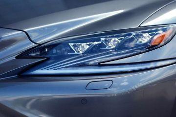 Lexus LS Headlight