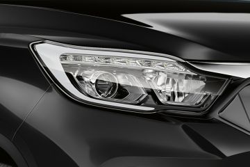 Mahindra Alturas G4 Headlight