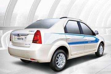 Mahindra E Verito Rear Right Side