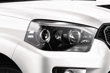 Mahindra Scorpio Headlight