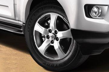 మహీంద్రా స్కార్పియో Wheel
