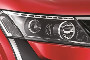 Mahindra XUV500 Headlight