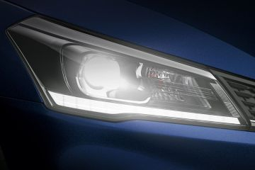 Maruti Ciaz Headlight