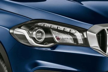 Maruti S-Cross Headlight