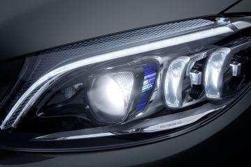 मर्सिडीज-बेंज सी-क्लास Headlight