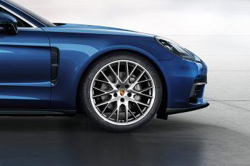 Porsche Panamera Wheel