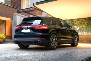 Porsche Cayenne Rear Right Side