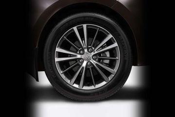 Toyota Corolla Altis Wheel