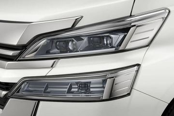 Toyota Vellfire Headlight