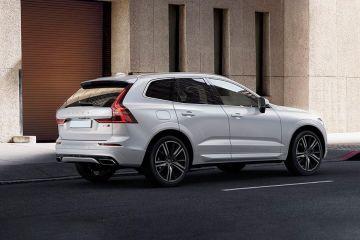 वोल्वो एक्ससी60 Rear Right Side