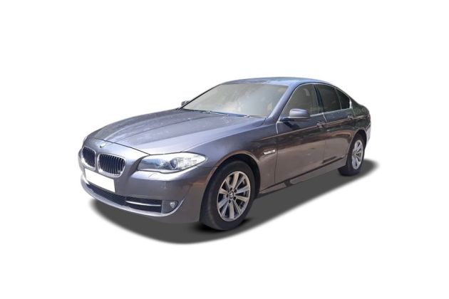BMW 5 Series 2003-2012 Front Left Side Image
