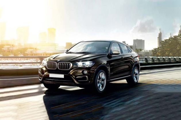 BMW X6 Front Left Side Image