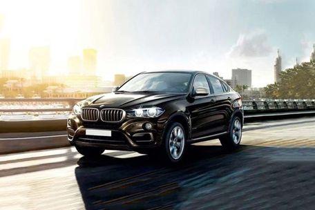 BMW X6 Front Left Side Image
