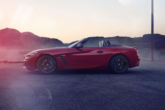 BMW Z4 Side View (Left)  Image