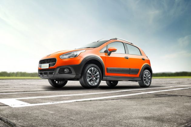 Fiat Avventura Urban Cross Front Left Side Image