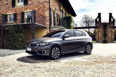Fiat Cronos Front Left Side Image