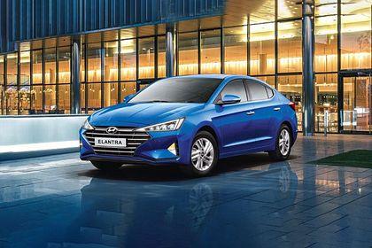 Hyundai Elantra Front Left Side Image