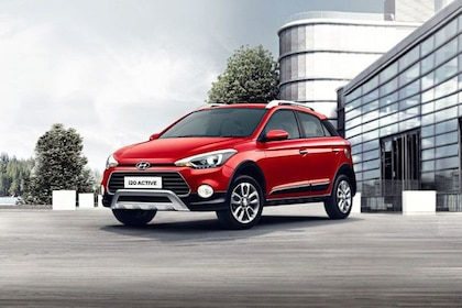 Hyundai i20 Active Front Left Side Image