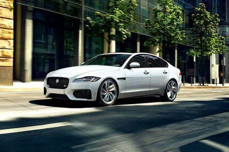 Jaguar XF Front Left Side Image