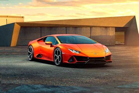 Lamborghini Huracan EVO Front Left Side Image
