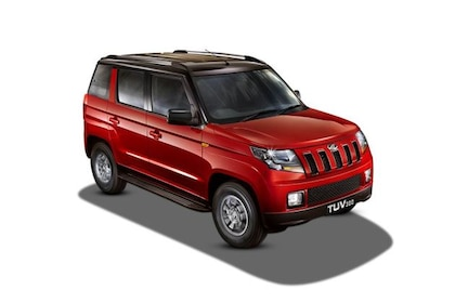 Mahindra TUV 300 2015-2019 Front Left Side Image