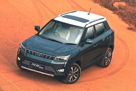 Mahindra XUV300 Front Left Side Image