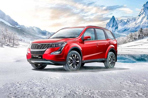 Mahindra XUV500 Front Left Side Image