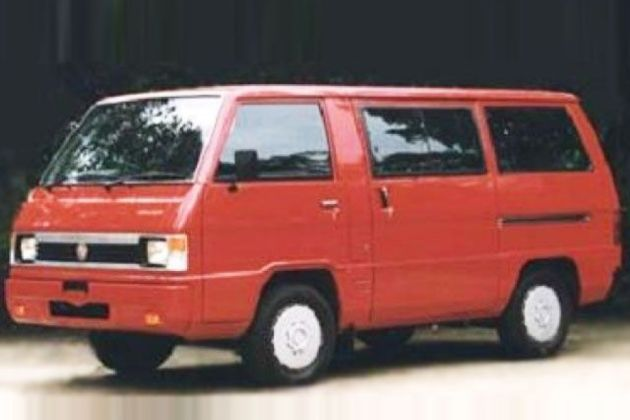 Mahindra Voyager Front Left Side Image