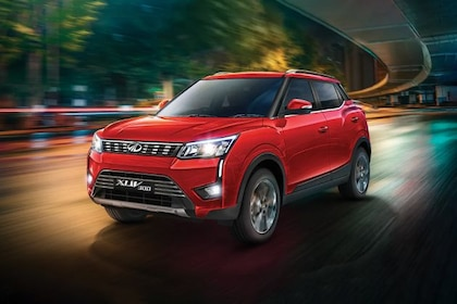 Mahindra XUV300 Front Left Side Image