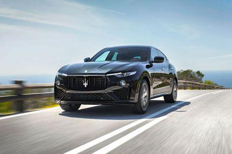 Maserati Levante Front Left Side Image