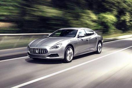 Maserati Quattroporte Front Left Side Image