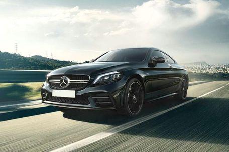 Mercedes-Benz AMG C 43 Front Left Side Image