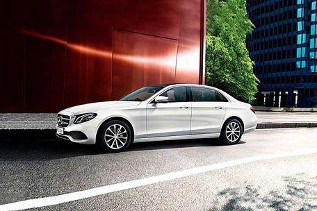 Mercedes-Benz E-Class Front Left Side Image