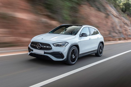 Mercedes-Benz GLA Front Left Side Image