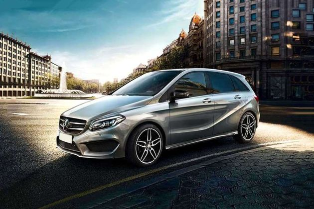 Mercedes-Benz B-Class Front Left Side Image