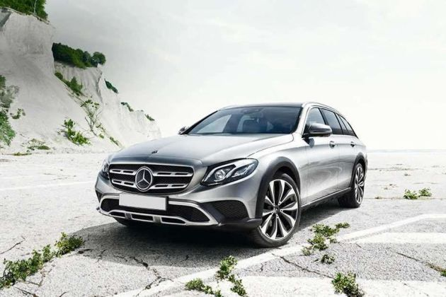 Mercedes-Benz E-Class All-Terrain Front Left Side Image